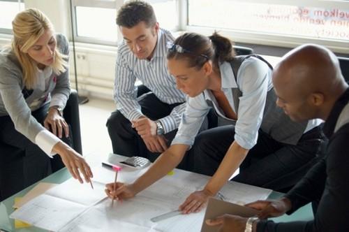 Three Leadership Behaviours That Demotivate Your Team